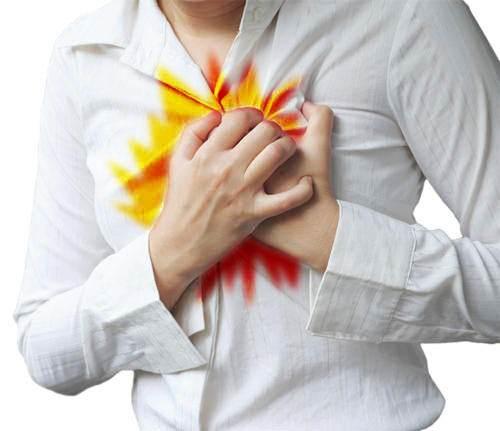 uomo con attacco di cuore